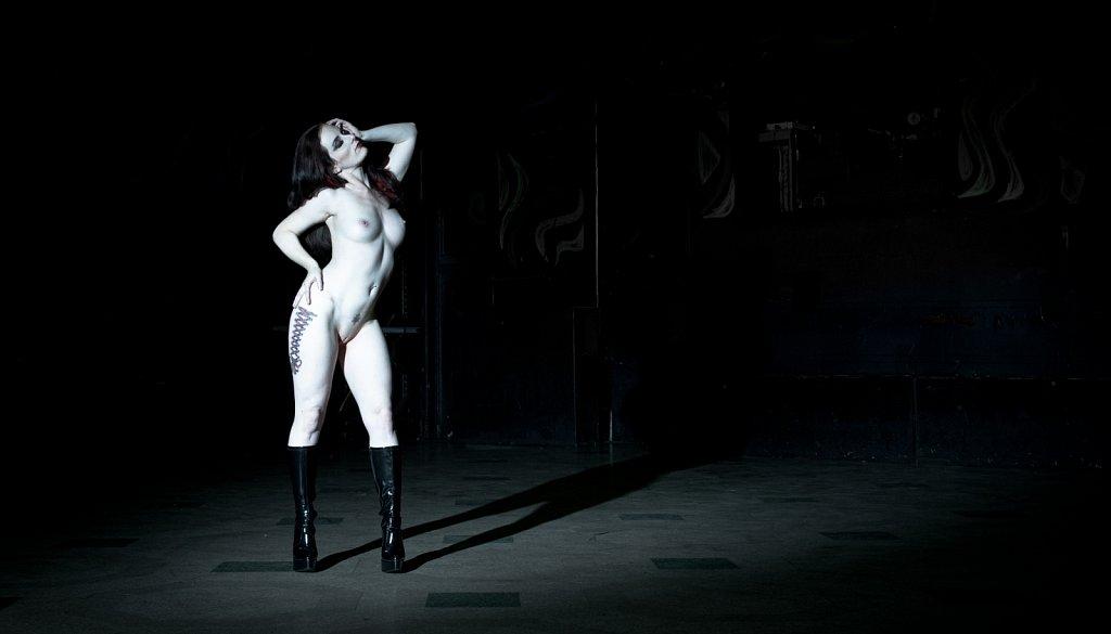 Model - Seraphina Black