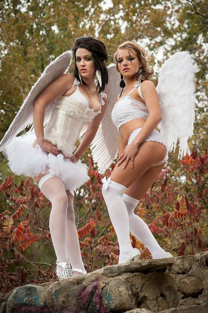 Models - Megyn And Christine